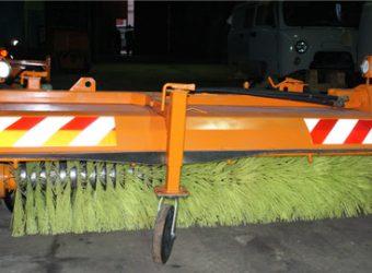 <p>Оборудование предназначено для круглогодичного использования по содержанию дорог, проезжей части, тротуаров и внутриквартальных территорий с асфальтобетонным покрытием.<br /> Существует возможность поворота щеточного …</p>